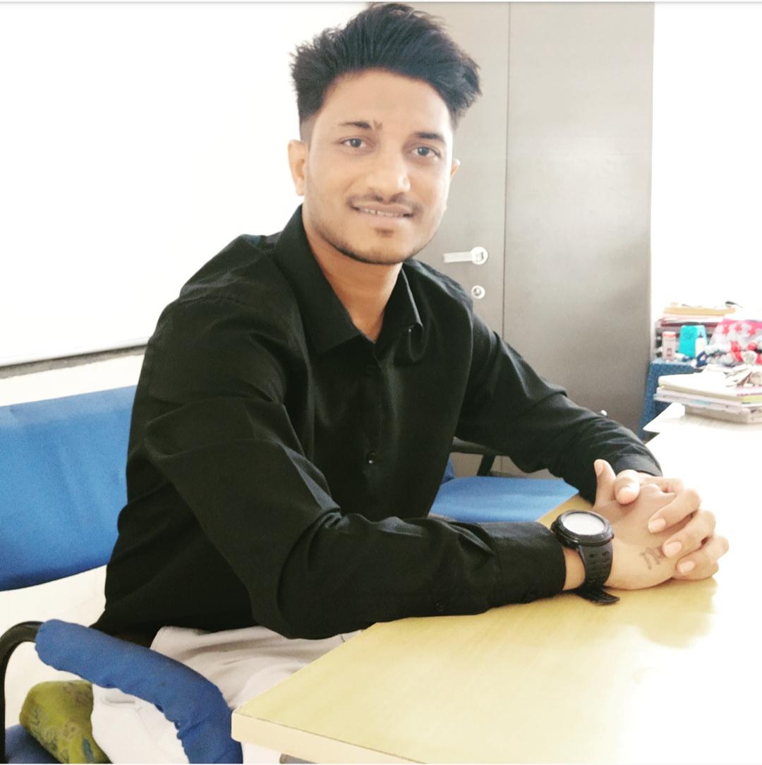 Shri. Ashvin Solanki : Lab Technician(Chemistry)